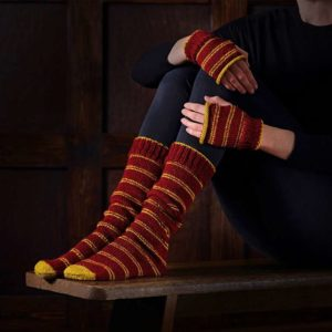 BUY HARRY POTTER GRYFFINDOR SOCKS & MITTENS KNITTING SET IN WHOLESALE ONLINE